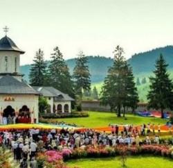 hramul-mănăstirii-de-la-Izvoru-Mureșului