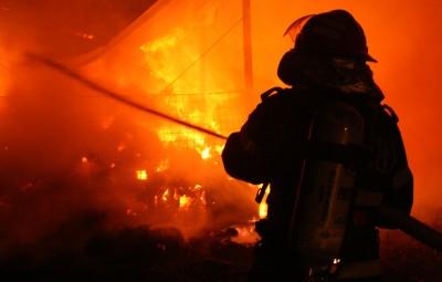 Incendiu-pompieri-bucurestifm.ro_1