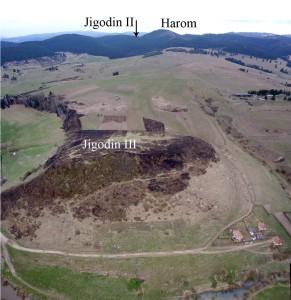 08_jigodin-iii_vedere-spre-sud-vest-a-fortificatiilor-dacice