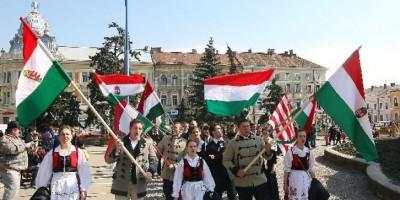 image-2008-03-15-2583199-70-maghiarii-din-romania-isi-sarbatoresc-ziua-nationala