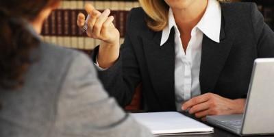 Primii-pași-în-exercitarea-profesiei-de-consilier-juridic-900x400