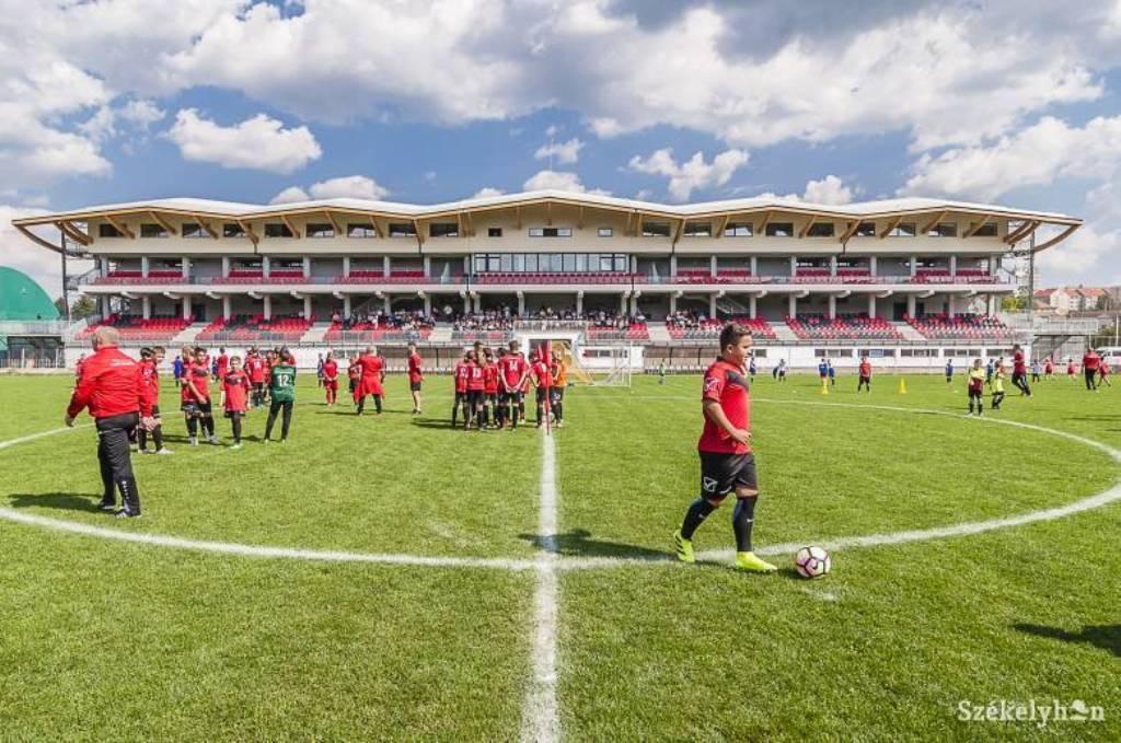 Imagini pentru stadion municipal miercurea ciuc